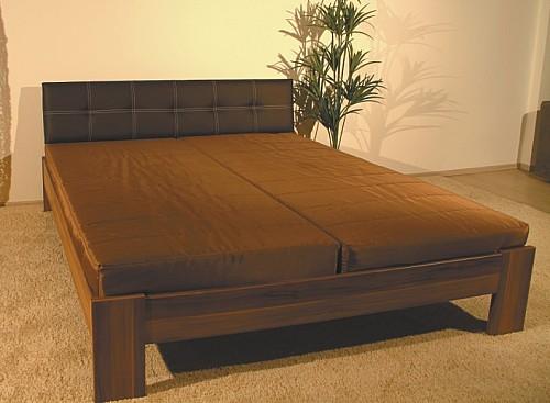 Jednolůžková postel MANDA 140x200 cm vč. roštu bílá / hnědé čelo